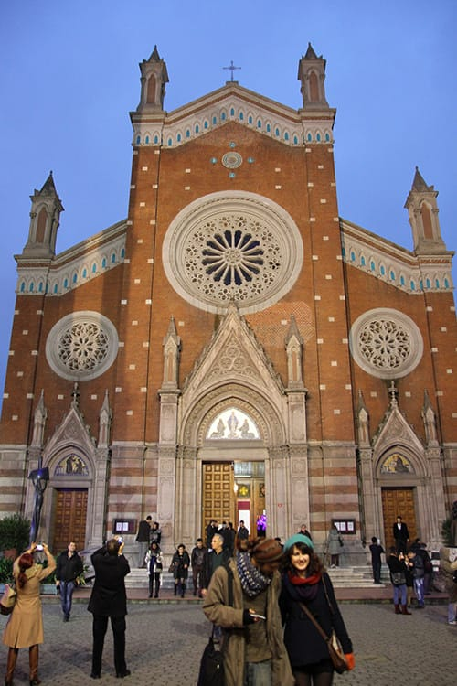 Celebrating Christmas in Istanbul - Pros and Cons - The Istanbul ...